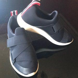 Women's Tory Burch Velcro navy blue sneakers 7.5